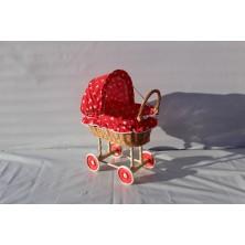Wózek wiklinowy dla lalek 04