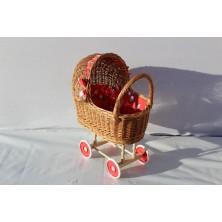 Pełnowiklinowy wózek dla lalek 07